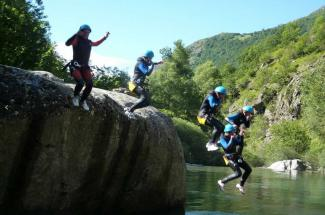 3 - EVG / EVJF BORDEAUX SUD OUEST : CANYONING 1/2 JOURNEE