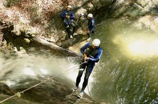 6 - EVG / EVJF BORDEAUX SUD OUEST  : CANYONING JOURNEE